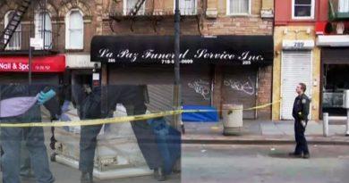 Escenas reales de terror: dejan ataúd vacío frente a funeraria de El Bronx aumentando pánico por COVID - 19