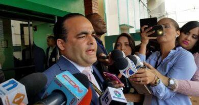 Asistente del presidente denuncia utilizan su nombre para pedir dinero a empresas y personas