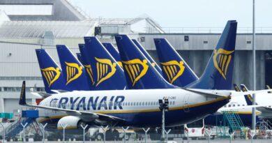"""Jefe de Ryanair califica la cuarentena del Reino Unido para los viajeros de """"idiota e inaplicable"""" tras predecir que """"la ignorarán en gran medida"""""""