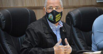 Alcalde SDE renuncia a yipeta de lujo y privilegios, Concejo lo aprueba