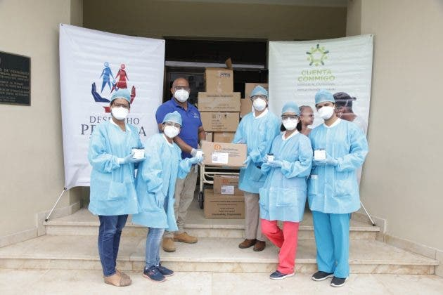 Despacho de la Primera Dama aporta medicamentos e insumos a hospitales Robert Reid y Padre Billini