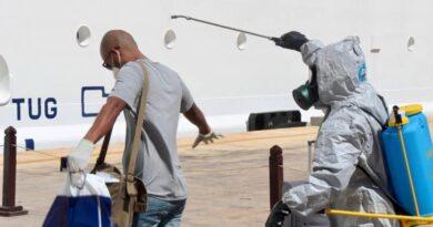 Desembarcan en La Romana 131 dominicanos varados en cruceros sin alerta de contagio