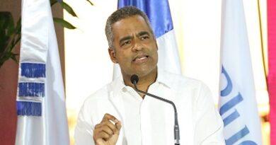 Ejecutivo hotelero Joel Santos propone definir con tiempo apertura en el turismo dominicano