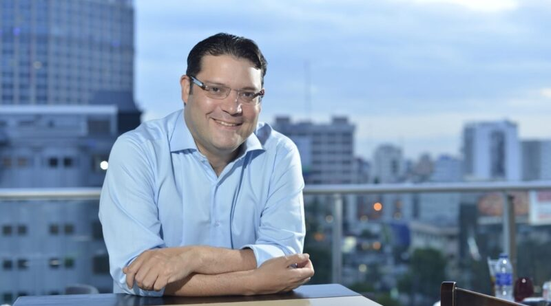 Sanz Lovatón recomienda protocolos sanitarios estrictos en el sector turístico