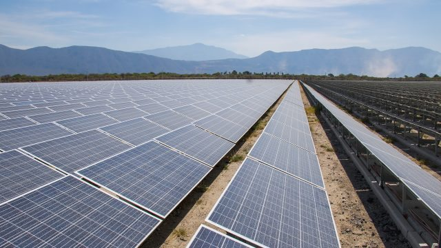 Cenace suspende pruebas operativas de 17 plantas de energía renovable