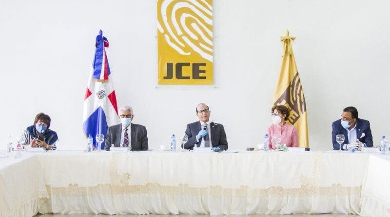 ATENCION: Pleno JCE se declara en sesión permanente por voto exterior