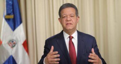 Leonel sugiere al Gobierno asistir a trabajadores que no están en FASE