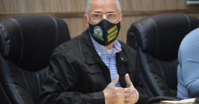 Alcalde Manuel Jiménez renuncia a yipeta de lujo y a otros privilegios