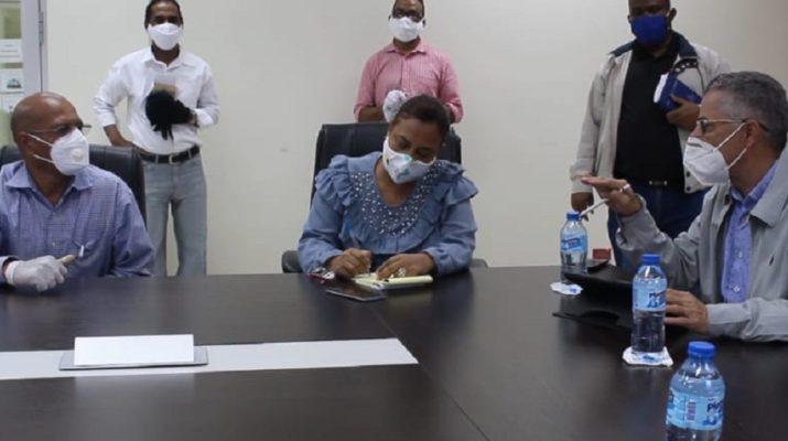 Alcalde Manuel Jiménez sanciona policías ambientales por trato inadecuado a persona que tiró basura en la calle