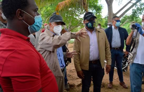 Alcalde Manuel Jiménez encabeza jornada de limpieza en el sector El Tamarindo
