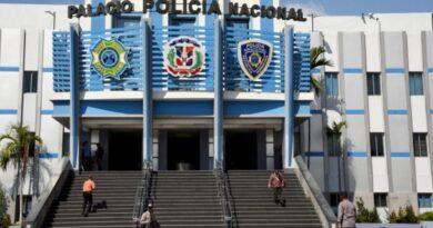 Policía Nacional separa de sus filas a raso por protagonizar un altercado en el Hospital Dr. Francisco Moscoso Puello