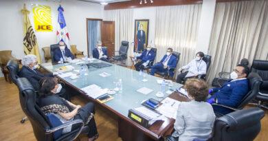 Pleno de JCE trata con subdirectores de Informática aspectos técnicos de elecciones