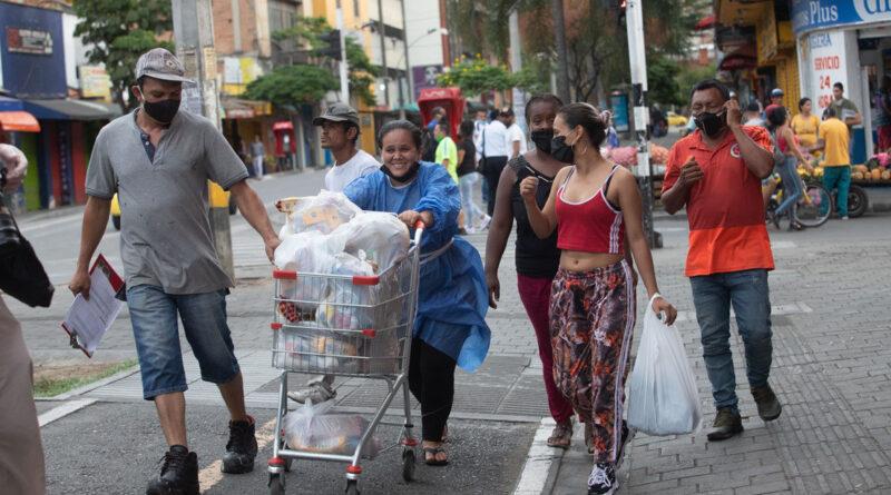 Un colectivo se organiza para ayudar con arriendos y mercados a las trabajadoras sexuales de Medellín durante la pandemia