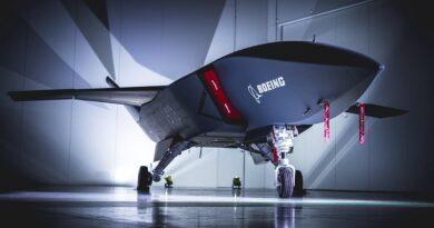 Boeing presenta un avión de defensa no tripulado con un sistema de módulos e inteligencia artificial