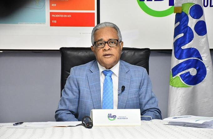 Ministro advierte que sigue el peligro de rebrotes en el país
