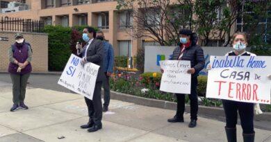 Activistas declaran como Casa de Terror asilo en Alto Manhattan donde murieron ancianos dominicanos
