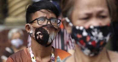 """Director general de la OMS: """"Las mascarillas por sí solas no les van a proteger del covid-19"""""""