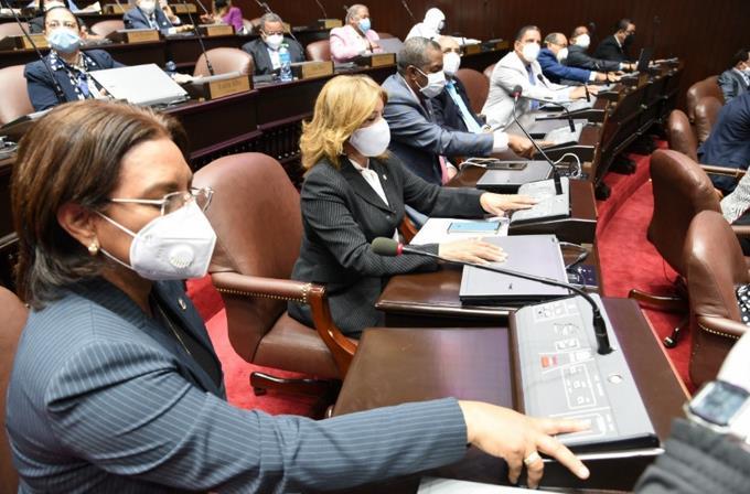 Aprueban extensión de estado de emergencia por 17 días con apoyo de los reformistas