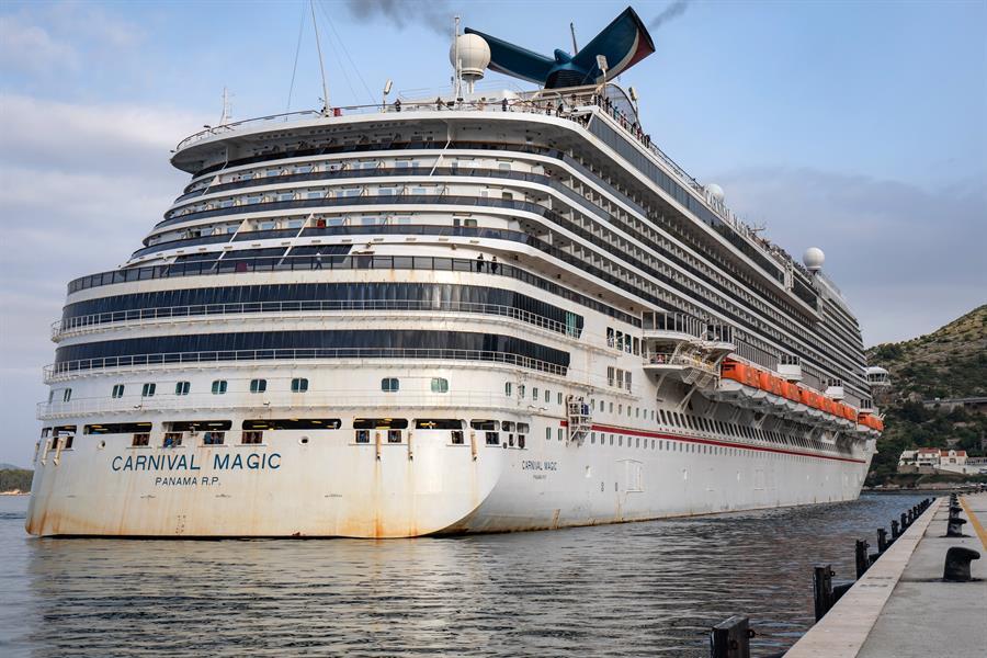 Cruceros extienden hasta el 15 de septiembre actividad desde EE.UU.