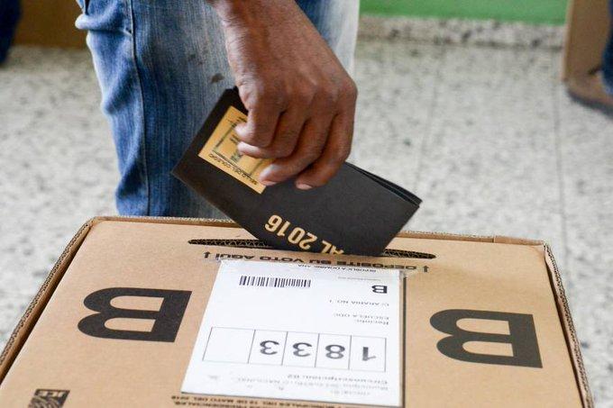 JCE declara votarán en el colegios del exterior quienes se hayan empadronado