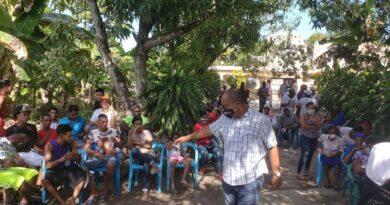 Candidato a diputado promete gestionar una sede universitaria en Boca Chica