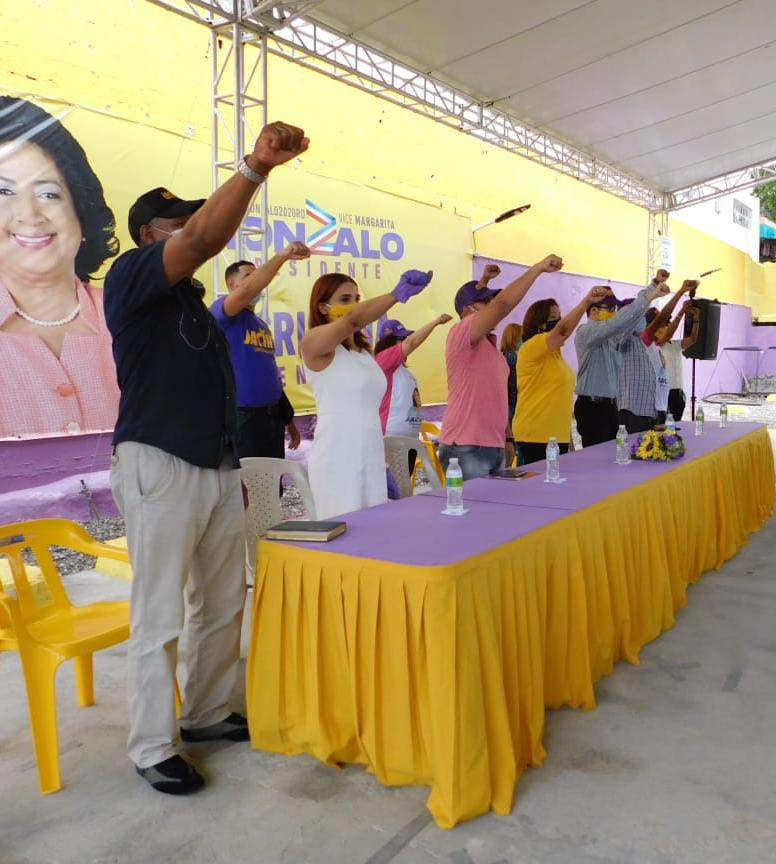 Jacinta Estévez se compromete en ser la voz de la juventud de la circunscripción uno de Santo Domingo Este en el Congreso Nacional.