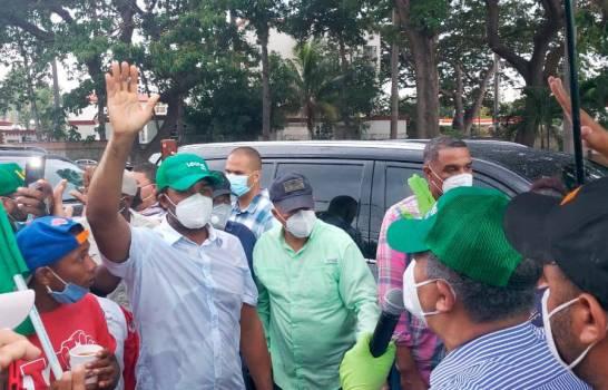 Leonel juramenta a Tony Batista y otros dirigentes en la Fuerza del Pueblo