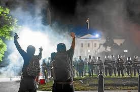 Las protestas vuelven al centro de Washington sin poder llegar a Casa Blanca