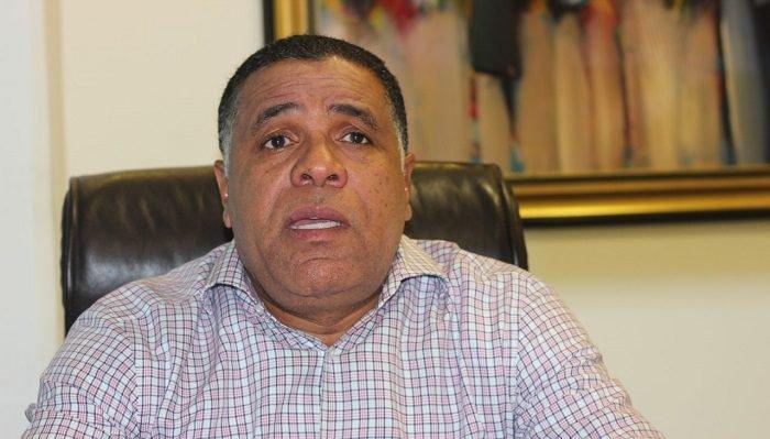 Virgilio Merán promete legislar a favor de la juventud, la educación y el deporte
