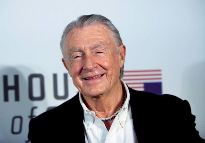 Muere Joel Schumacher, director de las peores película de Batman, a los 80 años