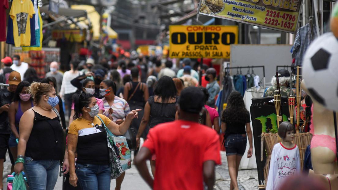 Bares y restaurantes reabren en Río de Janeiro y Sao Paulo, mientras que Brasil registra uno de los días más letales de covid-19
