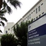 """""""Esto le puede pasar a usted"""": un hombre pasa 64 días en un hospital y pierde casi todos los dedos por el covid-19"""