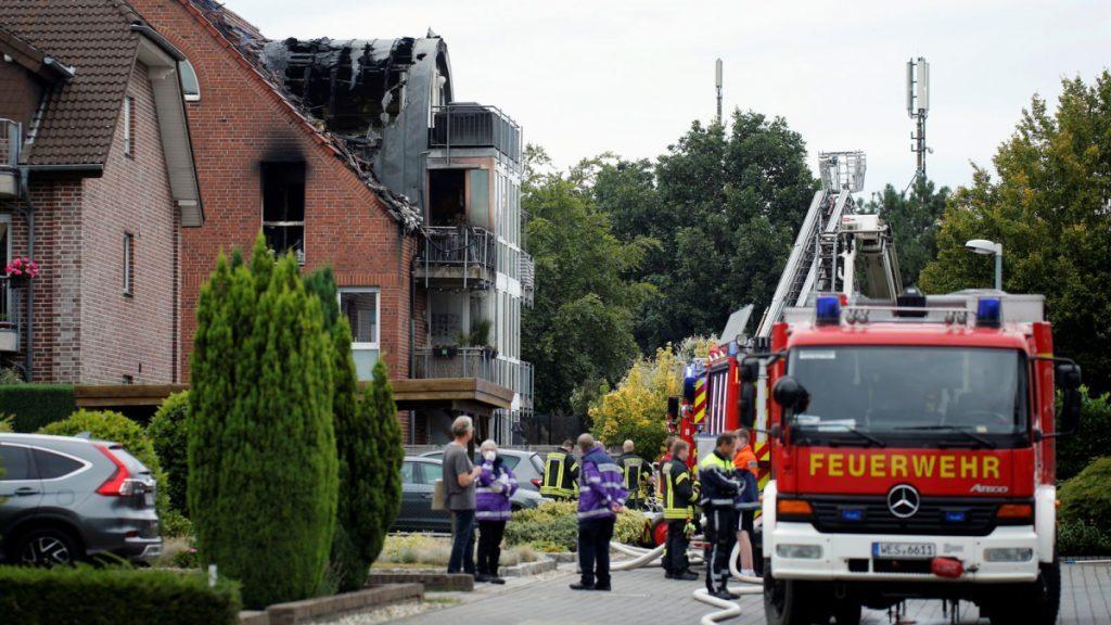 Al menos tres muertos al estrellarse una avioneta contra un edificio de viviendas en Alemania