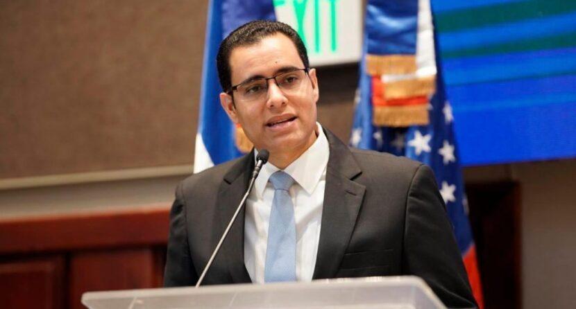 """Ministro Economía aclara programa """"Quédate en casa"""" seguirá vigente"""
