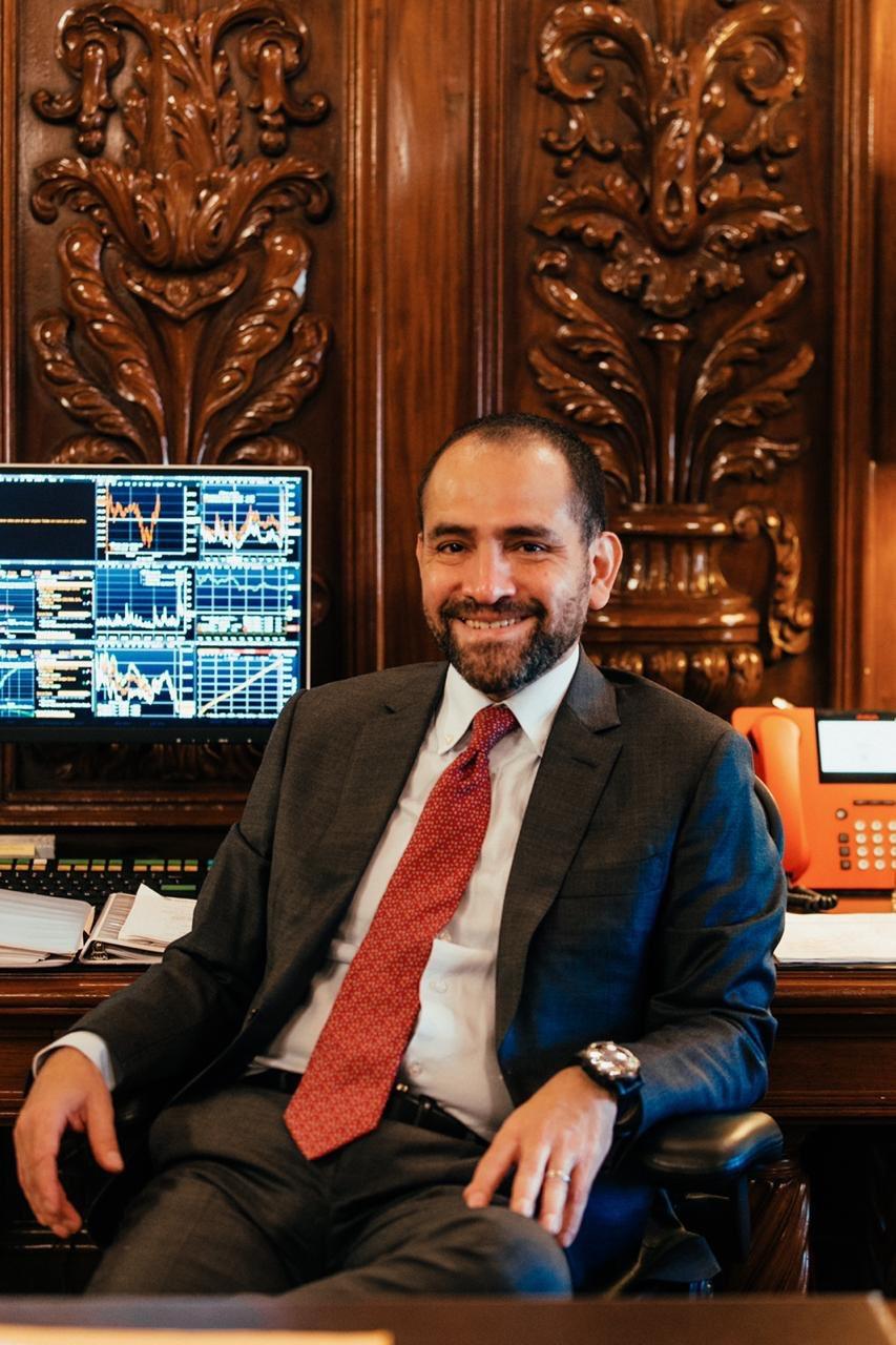 El secretario de Hacienda de México, Arturo Herrera, retoma sus actividades tras recuperarse del coronavirus