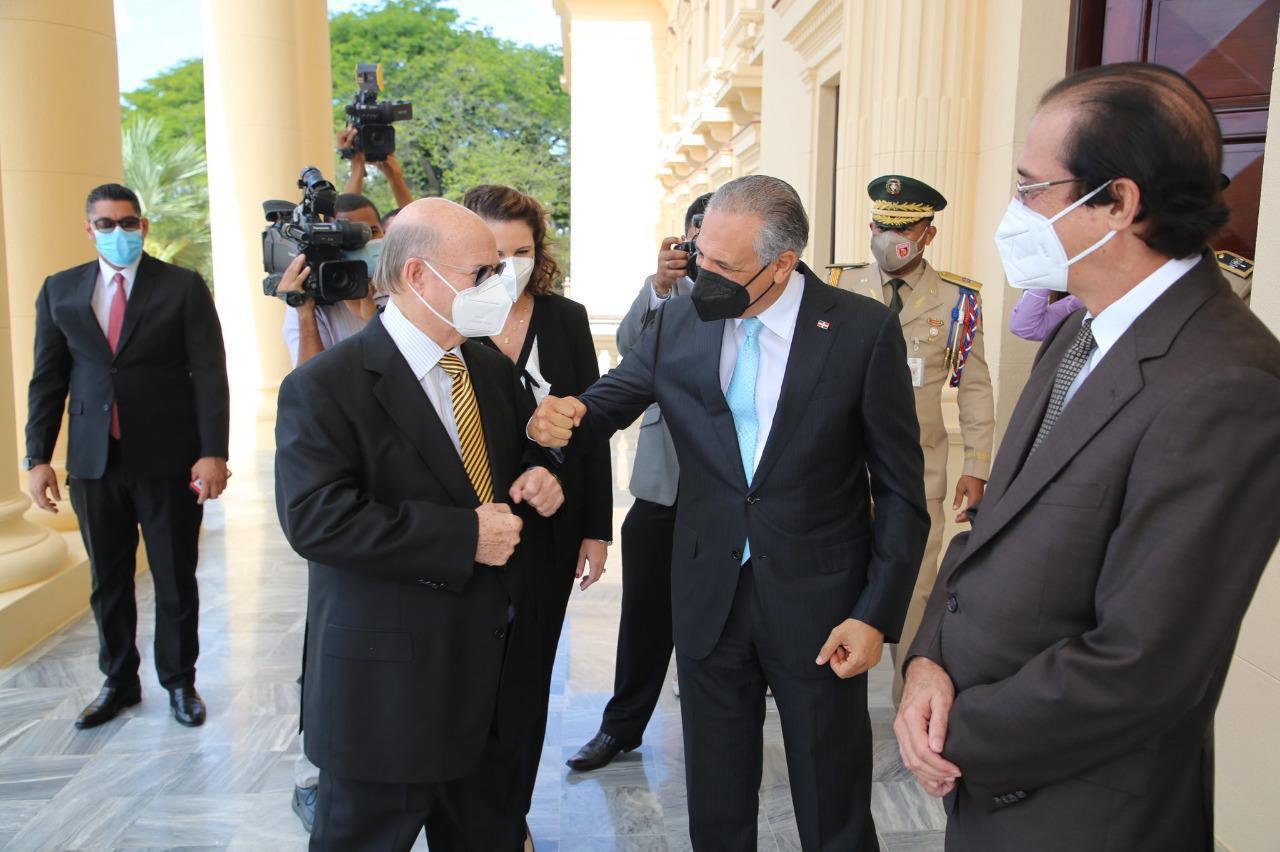 Hipólito asegura no influyó en designación de Díaz Morfa como futuro ministro de Defensa