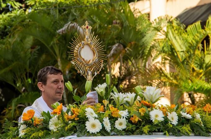 Parroquia Jesús Maestro celebra Fiestas Patronales