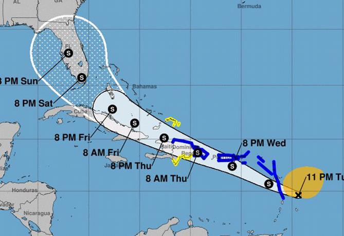 Isaías ya es huracán categoría 1 próximo a Bahamas