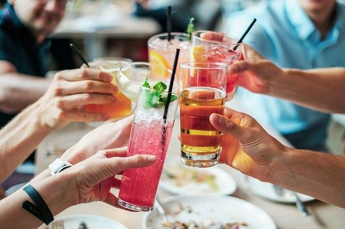La compra de alcohol se ha reducido 91%, la de ropa un 93% y la de aparatos electrónicos 85% en RD 2'