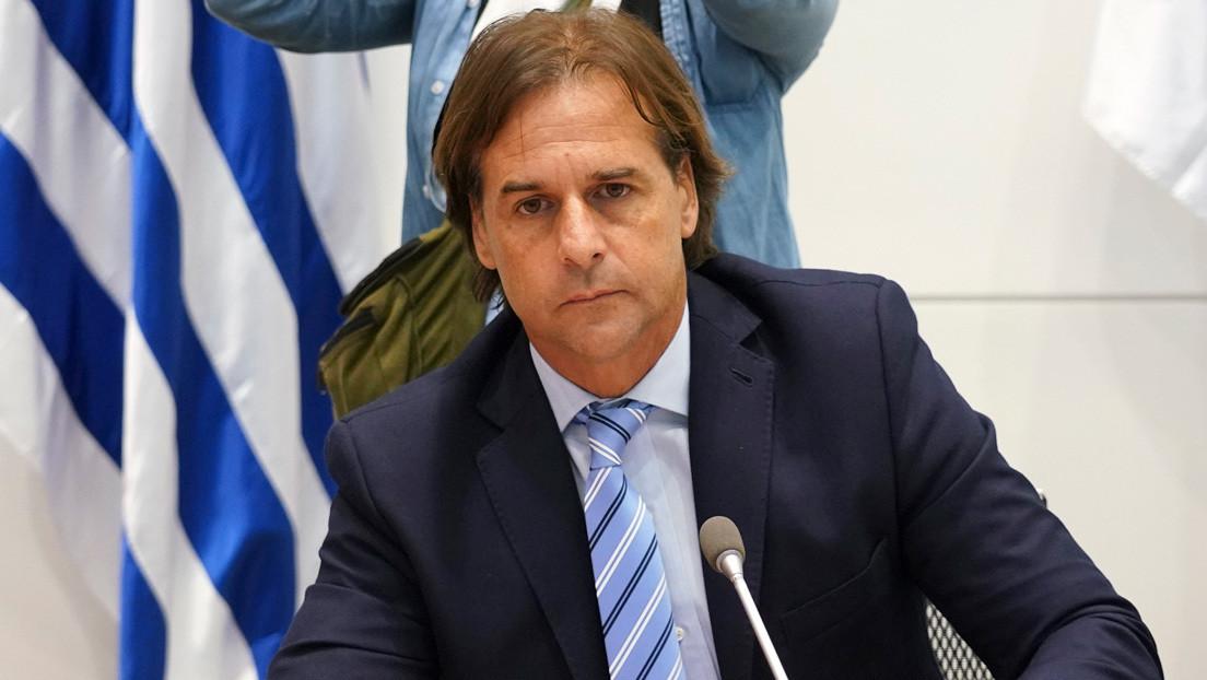 """Lacalle Pou defiende su estrategia frente al coronavirus: """"Yo no estaba dispuesto a obligar a los uruguayos a confinarse rumbo a un estado policíaco"""""""