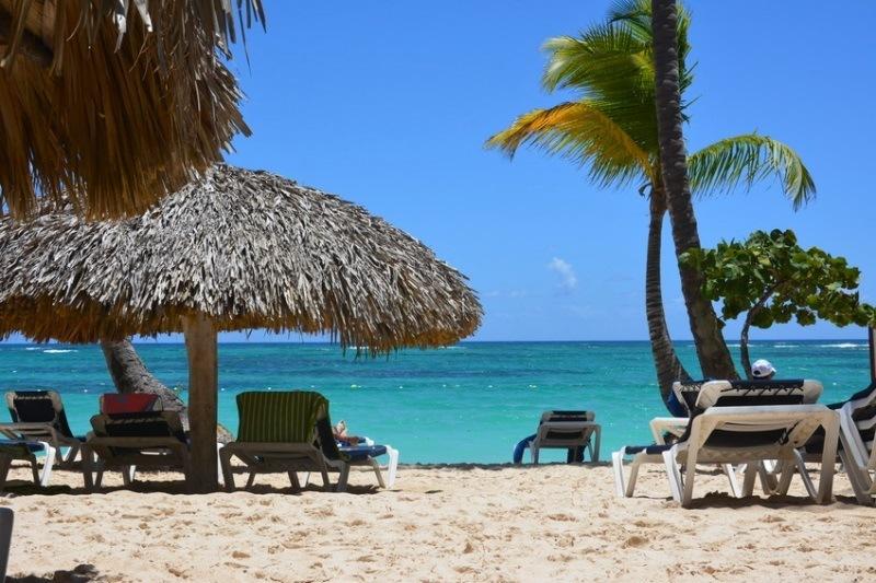 Playas y bares de zonas turísticas no estarán clausurados