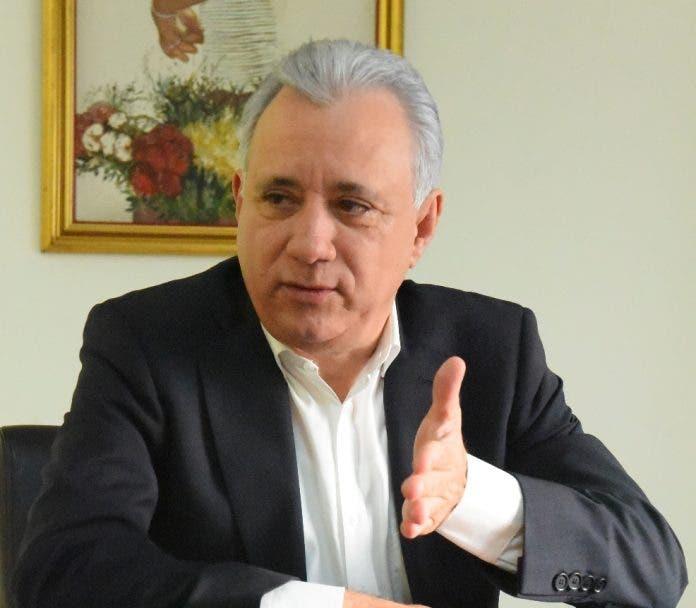 Antonio Taveras Guzmán propone plan de austeridad que inicie por el Congreso