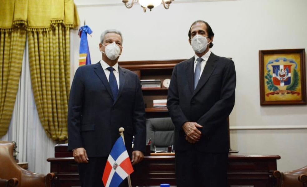 Gustavo Montalvo y Lisandro Macarrulla sostienen primer encuentro para el proceso de transición en Palacio Nacional