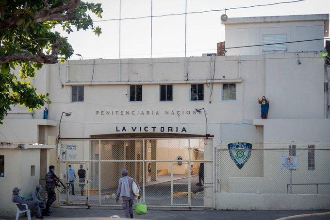 Autoridades analizan plan para combatir crímenes desde cárceles