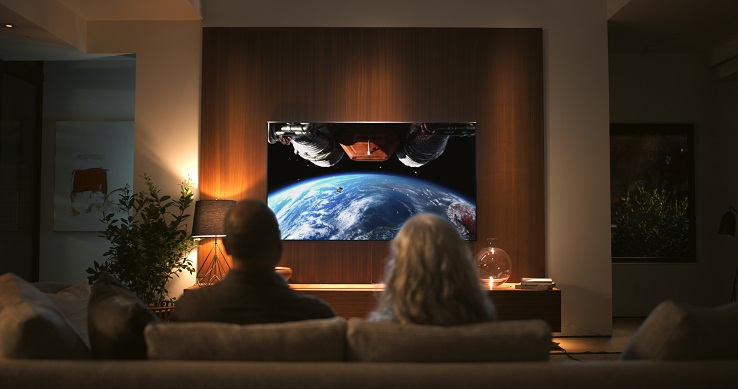 ¿Cuál es la diferencia entre un televisor QLED y uno OLED?