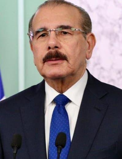 Presidente Danilo Medina inaugura terminal de autobuses en parque Los Tres Ojos