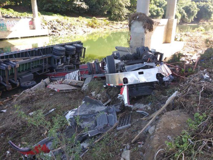 Identifican a las tres personas que murieron en accidente de tránsito en Haina
