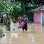 Más de 3,300 evacuados en República Dominicana por Laura