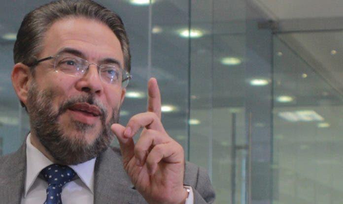 """Guillermo Moreno: """"Antes de hablar de docencia presencial hay que detener el Covid-19"""""""