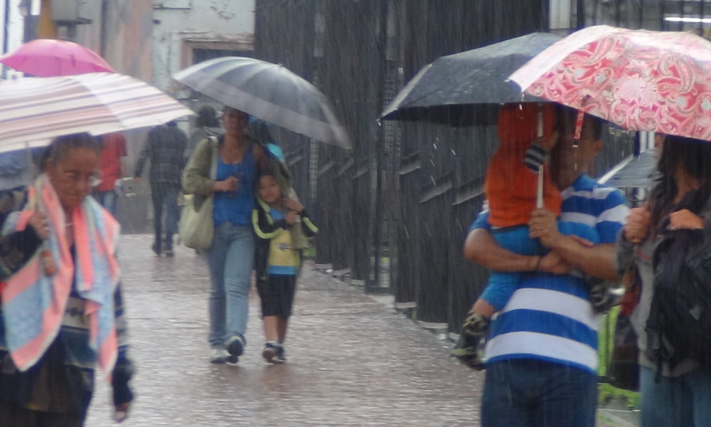 Onamet: Vaguada y onda tropical provocarán aguaceros, tronadas y ráfagas de viento